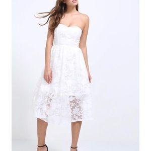 5/$30 White organza midi bridal shower party dress